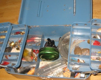 Union Watertite Metal Tackle Box With Spinners Johnson Reel collectible