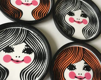 Retro Drink Coaster Mod Plastic Beverage Coasters Faces
