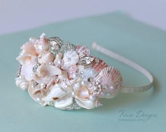 Mermaid Bridal Seashell Headband. Beach wedding headband. Beach wedding headpiece. Beach tiara. Seashell tiara