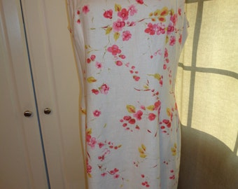 Vintage Classic Size 14 Linen and Rayon Dress with wonderful pink floral design print,  A Jones New York Dress Label in Very Good Condition