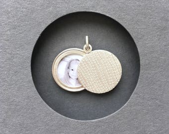 modern picture locket sterling silver string of pearls