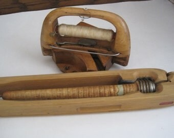 Antique Textile Loom / Weaving Shuttles and Bobbins