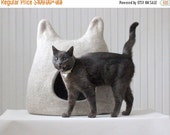 Cat bed - wool pet bed - natural beige cat cave - made to order