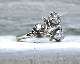 Swirly Vintage 18K White Gold Diamond Ring - 1.00ct.