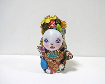 "3.7in Handmade Assemblage Mixedmedia Art Doll ""MATO-chan"""