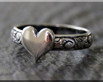 READY to SHIP, Sterling Silver Sweet Heart Ring, US Size 5, Stacking Ring, Valentine Ring, Sterling Silver Ring, Floral Heart Stacking ring