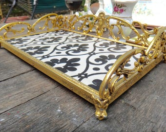 Vanity Tray, Tray, Footed Tray, Black White Tray, Vanity Tray, Gold, Perfume Tray, Gift for Her, Dresser Decor, Regency, Metal Tray Casa