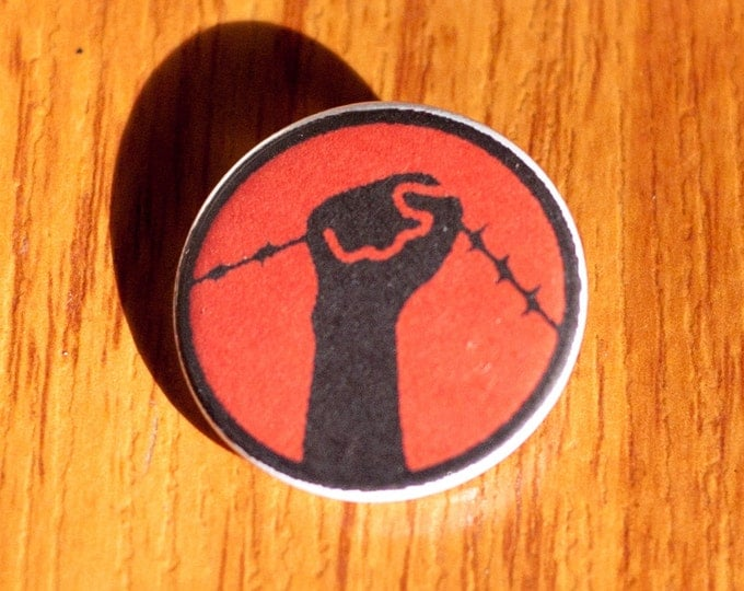 "Nadie Es Ilegal/No One is Illegal 1.25"" Pinback Button"