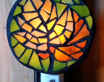 AUTUMN LEAVES Glass Mosaic Nightlight