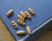 30 pcs Light Wood Small Barrel Toggle Buttons 15mm (WB3179)