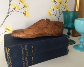 Vintage French wooden childs shoe last