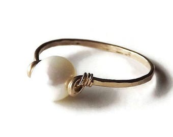 ON SALE Freshwater Pearl Hammered Gold Filled Ring - Pearl Ring - Gold Ring - Stacking Ring