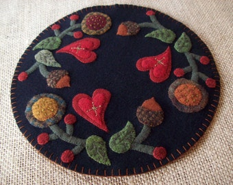 Hearts and Flowers Candle Mat