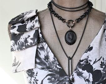 Modern Black CAMEO Necklace Chunky, Beautiful Vintage Black Glass Cameo, Vintage Cameo Choker, Romantic Jewelry veryDonna