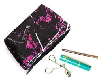 Muddy Girl Camo Makeup Bag - Muddy Girl Makeup Pouch - Makeup Bag - Cosmetic Case -  Cute Makeup bag - Cosmetic Bag Zipper Pouch