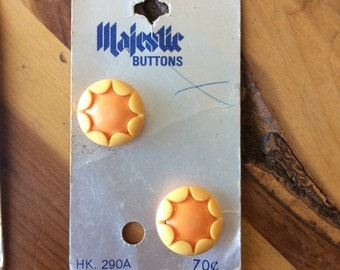 """8 vintage buttons, 60s buttons, size 28 (3/4""""), daisy buttons"""