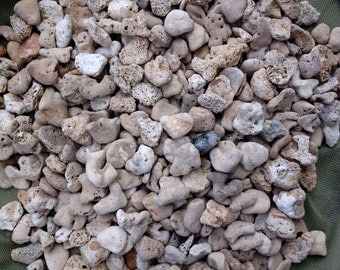 Bulk Heart Shaped Beach Rocks 400 Small Stones Garden Wedding Decor, Aquariums, Landscape