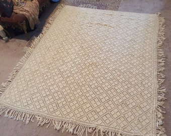 Antique Fine Cotton Thread Crocheted Ecru Coverlet