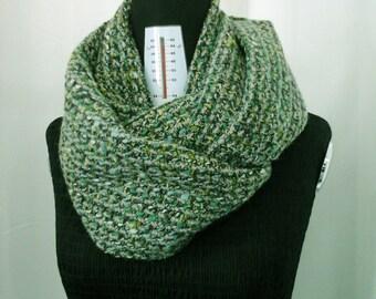 Sciarpa Verde ad anello in tweed/ Sciarpa Infinity/ Sciarpa Girocollo/ Sciarpa di lana grossa/ Sciarpa fatta a mano