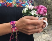 Strawberry Friendship Bracelet - 24 Strings (040M)