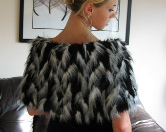 Ready to Ship! Black Feathers Shawl