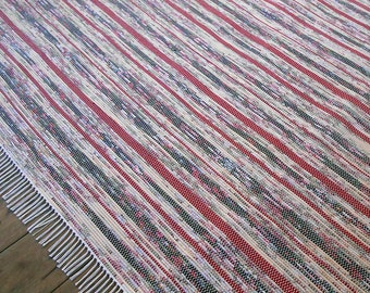 8x10 Rag Rug / Red, Black, Floral