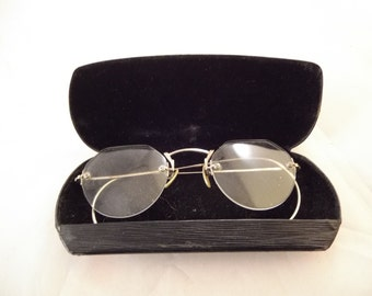 Antique Rimless Eyeglasses, With Case Turn of the Century, Silver Tone Metal