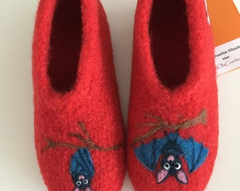 "Children felt House shoes ""Bat"""