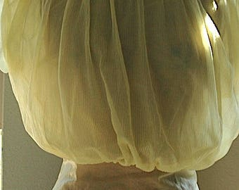 "Vintage Nylon  Blouse - ""Flirty Daffodils"""