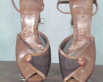 1940s Shoes 1950s Heels Tan Mesh Peep Toe Size 6B De Liso Debs