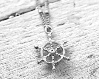 WHEEL necklace with steering | silver