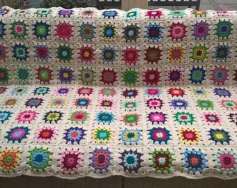 Crochet blanket, colourful/off white crochet blanket, crochet granny square blanket, babyblanket