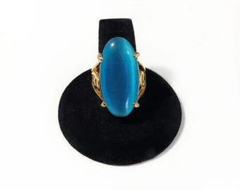 Oval Turquoise Blue Glass Cabochon Ring Gold Tone Filigree