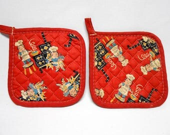 Campbell's Soup Kids Red Quilted Pot Holders 1950's Vintage Kitchen Decor