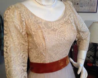 Dramatic VTG.40's Figure Hugging Lace & Tulle Dress / Hollywood Starlet GLAM