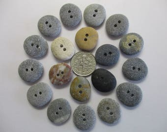 BEACH SEA STONE 17mm Buttons 19 Double Drilled Black Brown Red Khaki Natural Stones Real Surf Tumbled Sewing Knitting Rock Button Peb 1317