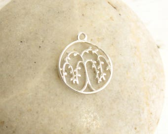 Small Sterling Silver Willow Tree Circle Pendant... 1 Piece