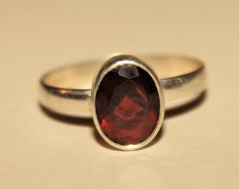 Garnet and silver Ring