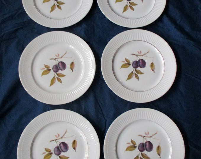 "Set of 6 Royal Worcester SHELTON ORCHARD 9-5/8"" Gold Trim Porcelain Ribbed Dinner Plates, Plum Design (c. 1970s)"