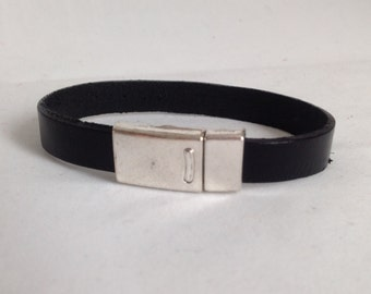 Handmade Black Genuine Leather Bracelet With Magnetic Clasp.