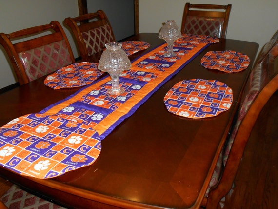 Clemson Tiger Table Runner And Six Place Mats Table
