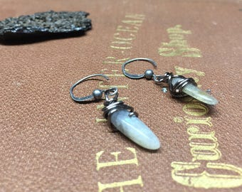 Labradorite Earrings - Point Stone - Labradorite - Labradorite Dangles - Fantasy - Point earrings - Labradorite point - Spike earrings