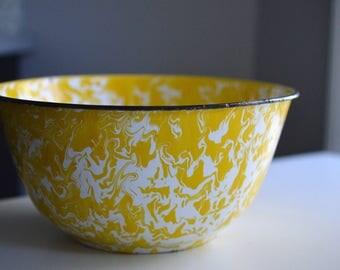 "Enamelware Bowl Yellow Swirl  9.5"""