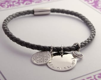 Leather Bracelet with engraved name of life flower family