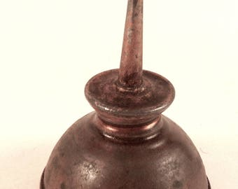 Oil Can/Vintage 1940s /Extra Mini Tin Oiler/Sewing Machine/Thumb Oiler/Industrial Art/Metal Oil Can/Vtg Garage Tools/Grease Monkey/c1940/s