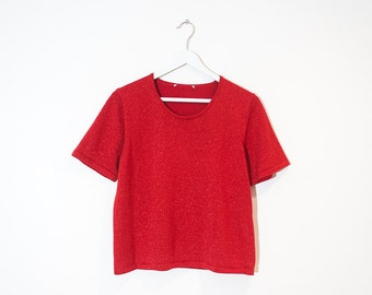 on sale - red sparkly jersey t-shirt / stretchy short sleeve top / size M / L