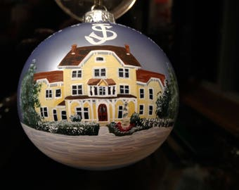 House portrait Christmas ornament. Pricing for 13+ windows. Order by Dec 18 for rush Xmas delivery.