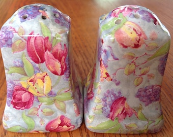 Rare Royal Winton 'Stratford' Salt and Pepper Shakers made in England Chintz