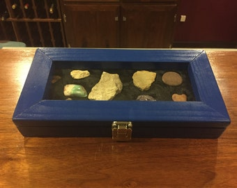 Coin, artifact case (travel case)