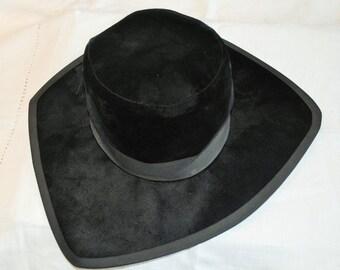 Vintage Quaker Maid Black Velvet Fedora